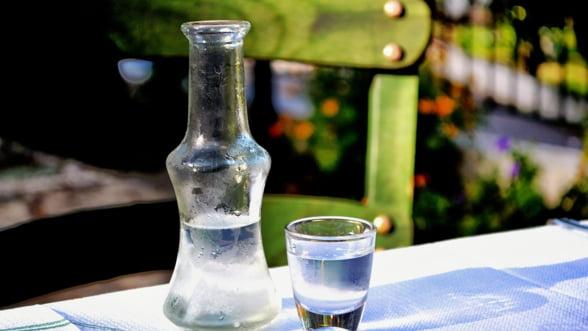 UE interzice Greciei sa mai acorde facilitati fiscale micilor producatori de bauturi alcoolice