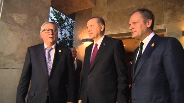 UE reia dialogul cu Turcia:Tusk si Juncker se intalnesc cu reprezentantii Ankarei la Bruxelles