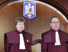 UPDATE CCR: Guvernul poate instaura si prelungi starea de alerta, fara incuviintarea Parlamentului. Izolarea, carantina si internarea nu pot fi date prin ordin de ministru