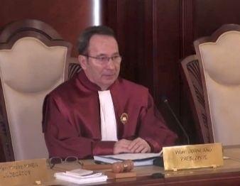 USR cere demisia lui Valer Dorneanu: Transforma CCR intr-un jucator politic!