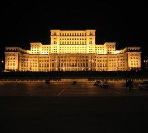 """Udrea """"reinvie comunismul"""". Ceausescu, noua atractie turistica a Romaniei"""