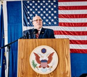 Un ambasador american demisioneaza din cauza declaratiilor facute de Trump la adresa Europei