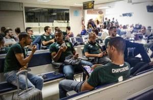 Un avion cu o echipa de fotbal la bord s-a prabusit in Columbia: 76 de oameni au murit (Foto)