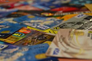 Un belgian s-a trezit cu 2.000 de miliarde de euro in cont din cauza unei erori bancare
