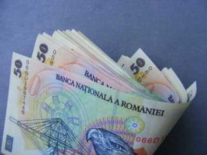 Un bulgar economiseste cu 50% mai mult decat un roman. Cum comentati?