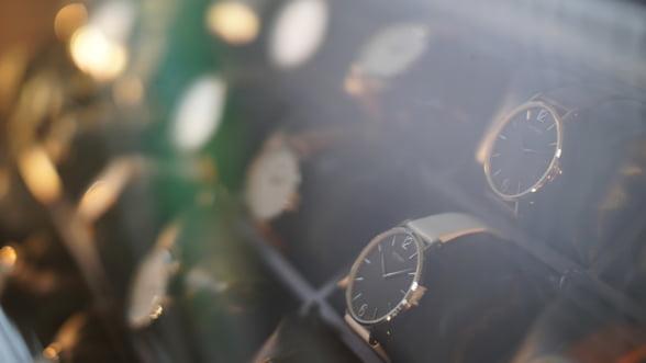 Un ceas de mana a fost vandut pentru suma record de 31 de milioane de dolari