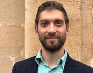Un cercetator roman de la Imperial College London, in carti pentru a prelua sefia Casei Nationale de Asigurari de Sanatate