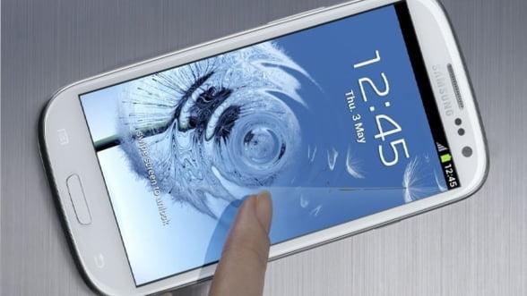 Un client Samsung s-a plans de supraincalzirea noului smartphone Galaxy S III