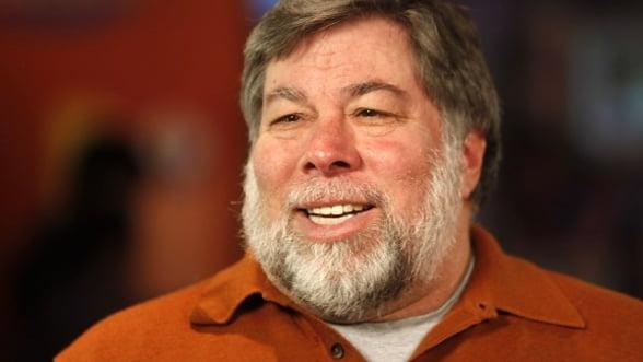 Un computer Apple-1, asamblat manual de Steve Wozniak, vandut pentru 905.000 de dolari
