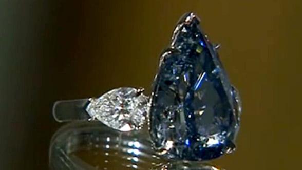 Un diamant albastru special va fi scos la licitatie la Geneva