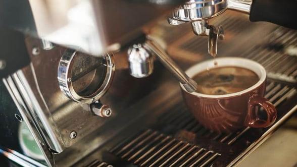 Un espressor profesional, prima investitie in cadrul unei cafenele selecte