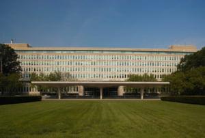 Un fost director CIA avertizeaza ca Rusia va incerca sa obtina de la Trump anularea sistemului antiracheta din Romania