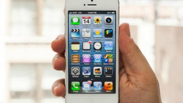 Un hot de iPhone i-a trimis proprietarului telefonului, prin posta, lista de contacte