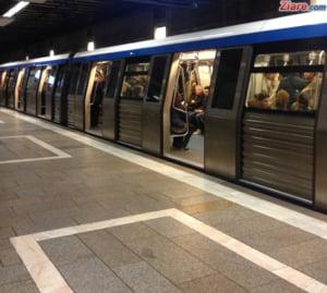Un metrou s-a stricat in statie si a blocat circulatia: O persoana a lesinat in aglomeratia infernala