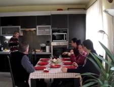 "Un nou concept de business in turism: ""La masa cu un localnic"" - Video"