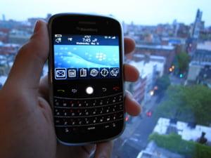 Un nou model BlackBerry vrea sa fure clientii iPhone