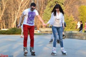 Un oras din Romania a interzis copiilor sa se plimbe cu rolele sau cu bicicleta