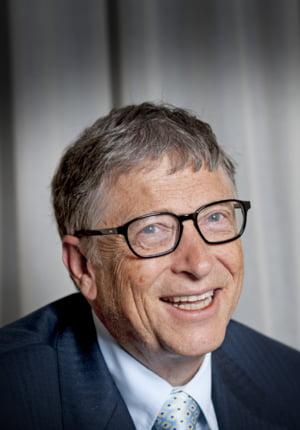 Un pariu facut acum 15 ani s-a adeverit. Bill Gates dubleaza miza