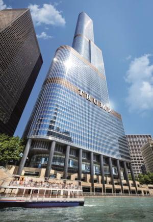 Un roman a fost numit directorul general al unui hotel de lux pe care Trump il are in Chicago