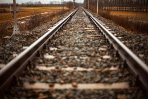 Un tren care transporta gaz inflamabil a deraiat si a luat foc: 5.000 de persoane evacuate