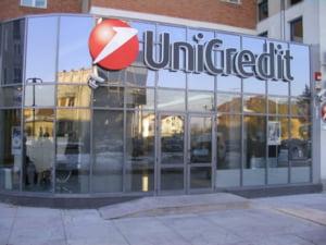 Unicredit Tiriac Bank a acordat in iulie cu 50% mai multe credite de nevoie personale fata de iunie