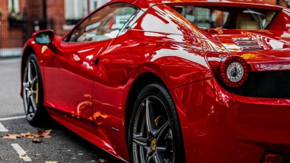 Uzinele Ferrari vor lucra in doua schimburi, pentru a face fata cererii de masini de lux