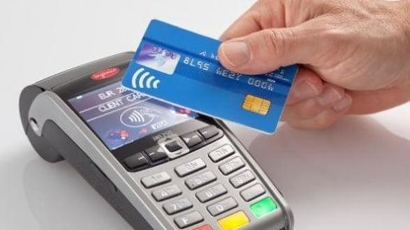 V-ati obisnuit sa platiti cu cardul? Bancile se pregatesc pentru pasul urmator: contactless