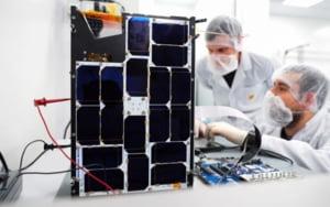 VIDEO Cum a contribuit Romania la primul satelit cu inteligenta artificiala trimis de omenire in spatiu. Inginerii din Timisoara implicati in proiect