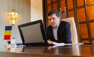 VIDEO Nicusor Dan semneaza un contract pentru reabilitarea a 210 kilometri din cei 954 ai retelei de termoficare din Bucuresti