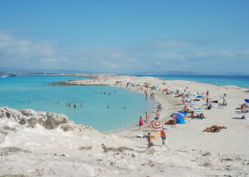 Vacanta perfecta pentru tot restul vietii: Cumpara-ti o insula in Baleare!