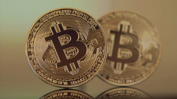Valoarea Bitcoin a crescut cu 50% intr-o singura saptamana si a depasit 15.000 de dolari