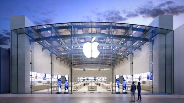 Valoarea companiei Apple a atins un nou record, de 701 miliarde de dolari