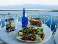 Vanatoarea de evazionisti, noul sport national in Grecia: Verifica pana si ultima taverna