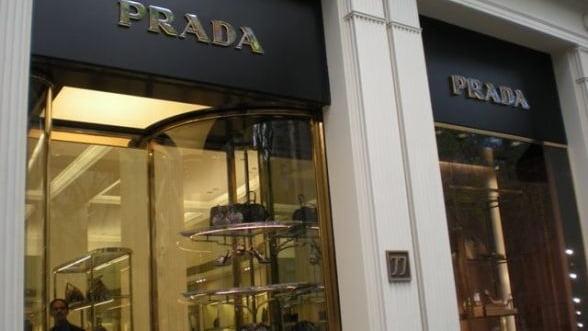Vanzarile Prada au crescut in primul semestru, sustinute de cererea din Asia