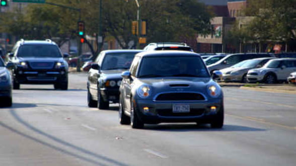 Vanzarile de vehicule au scazut cu 12% in primele patru luni
