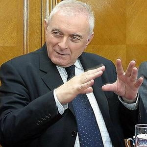 Vasilescu, BNR: Statul se imprumuta de la banci ca sa plateasca pensiile si salariile