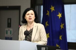 Vera Jourova: Anchetarea lui Kovesi reprezinta o piedica pusa in competitia pentru procurorul - sef european