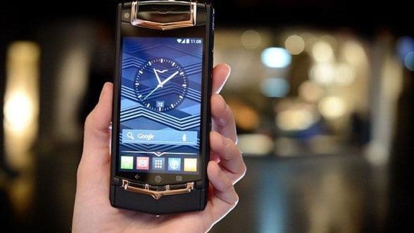 Vertu a lansat oficial primul sau smartphone - Vertu Ti (Video)