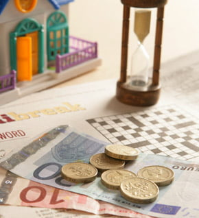 Vezi de ce s-a depreciat euro fata de dolar si franc elvetian