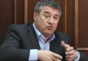 Victor Becali, plin de datorii - Iata cati bani trebuie sa returneze
