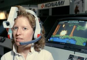"""Video de colectie: Care erau """"tehnologiile de varf"""" in 1989 - masini de pacanele si frigidere banale"""