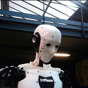 Vino in centrul Capitalei sa vezi primul robot umanoid printat 3D (Foto & Video)