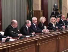 Vladimir Putin si-a format noul guvern, pastrand ministri-cheie