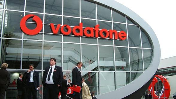 Vodafone ar putea fi preluat de catre AT&T si Verizon pentru 245 miliarde de dolari