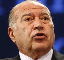 Voiculescu, tinta a reprosurilor din cauza cererii de ancheta a afacerilor Daimler