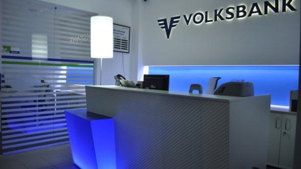 Volksbank castiga o batalie in razboiul clauzelor abuzive: Un client trebuie sa restituie 25.000 euro