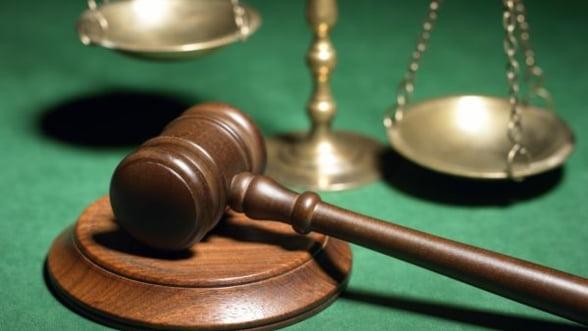 Volksbank castiga o batalie juridica, dar plateste daune in multe alte procese
