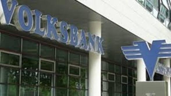"Volksbank isi vinde ""la pachet"" creditele neperformante"