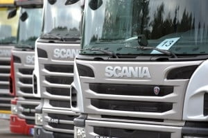 Volkswagen vinde actiuni de 2 miliarde de euro, ca sa poata prelua Scania