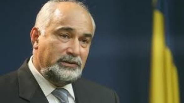 Vosganian: Vrem sa gasim un investitor care sa preia Oltchim si Arpechim impreuna
